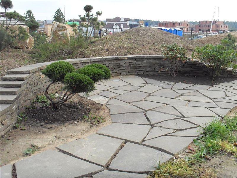 дорожка, площадка и подпорная стена